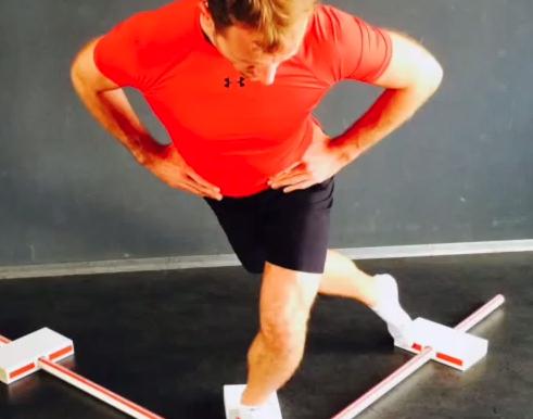 Y Balance Test: Dr. med. Markus Klingenberg erklärt die Vorgehensweise